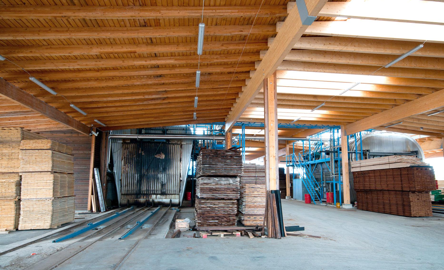 turkel_design_modern_prefab_home_axiomdeserthouse_manufacturing.jpg