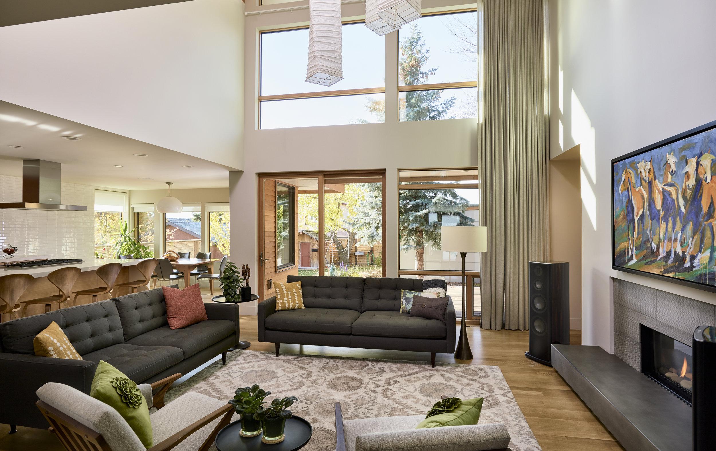turkel_modern_design_prefab_home_mckay_calgary_livingroom.jpg