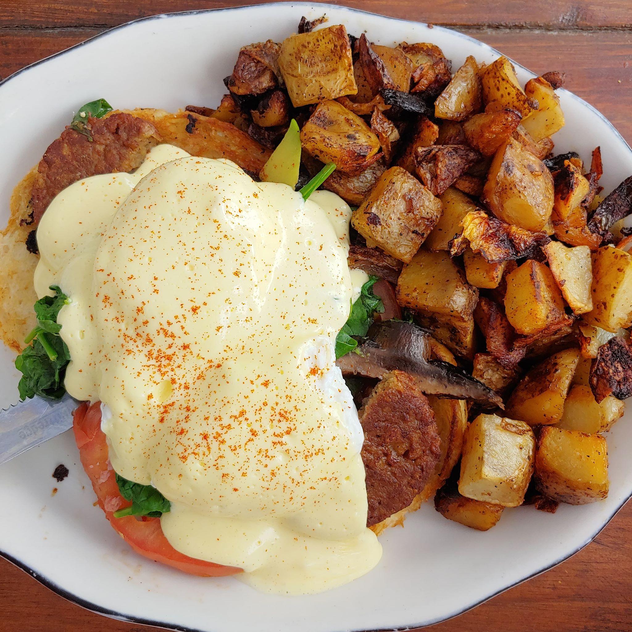 Sneakers Bistro & Cafe in Winooski, Vermont - best Vermont brunch restaurant - best eggs benedict in Vermont - breakfast burlington vt - breakfast winooski vt - california eggs benedict sneakers winooski vt