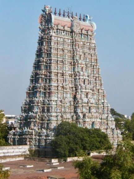 Meenakshi Amman Temple in the city of Madurai, South India. Also known as Minakshi-Sundareshwara Temple. One of the oldest and most important temples in India.