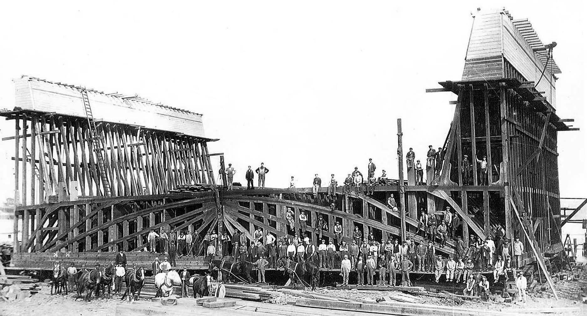 Tottenville's Cossey's dockyard employed 300 people in the early 1900s.