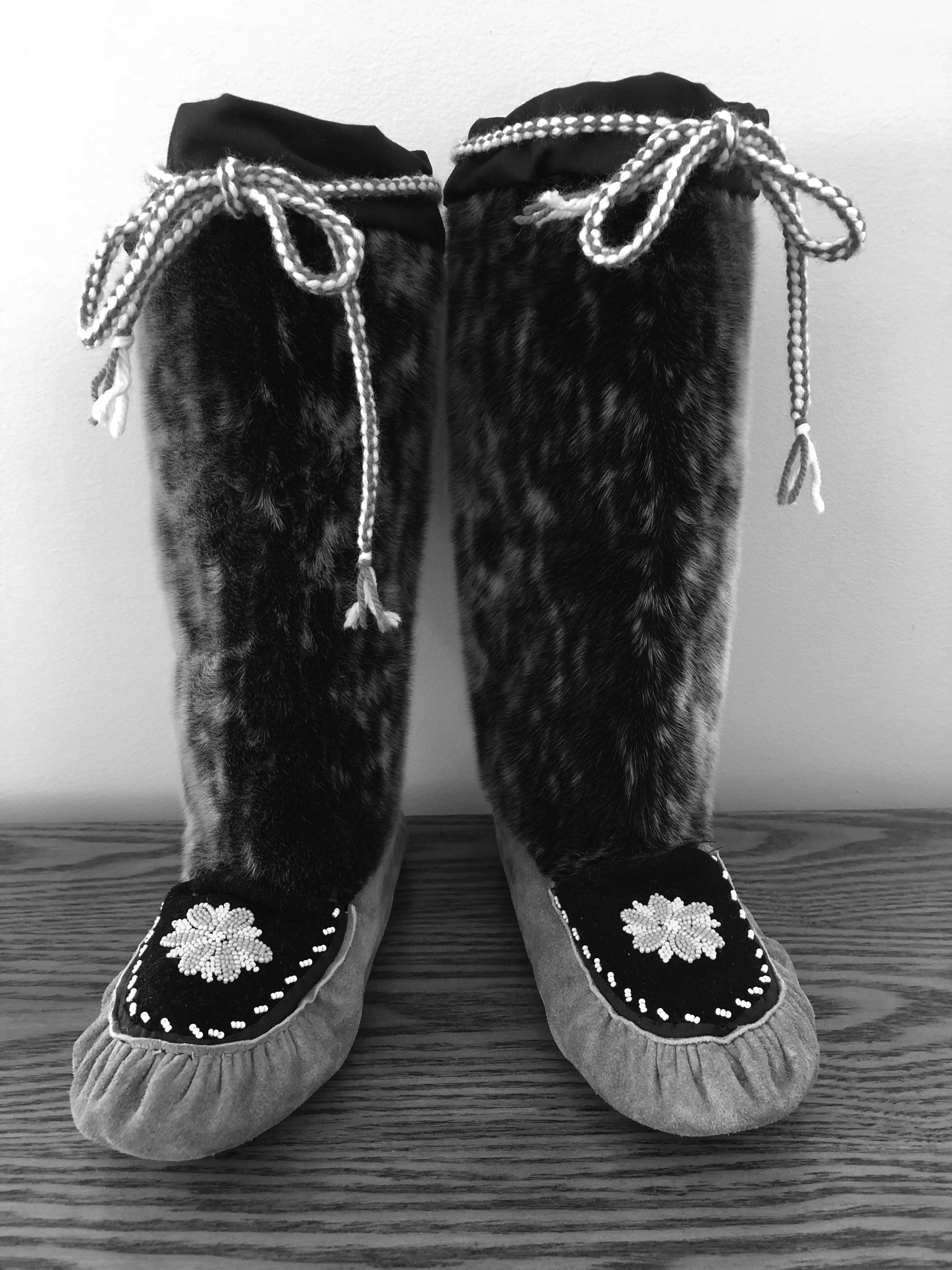 Ladies Sealskin kamik handcrafted by Andrea Flowers of Hopedale, Nunatsiavut.