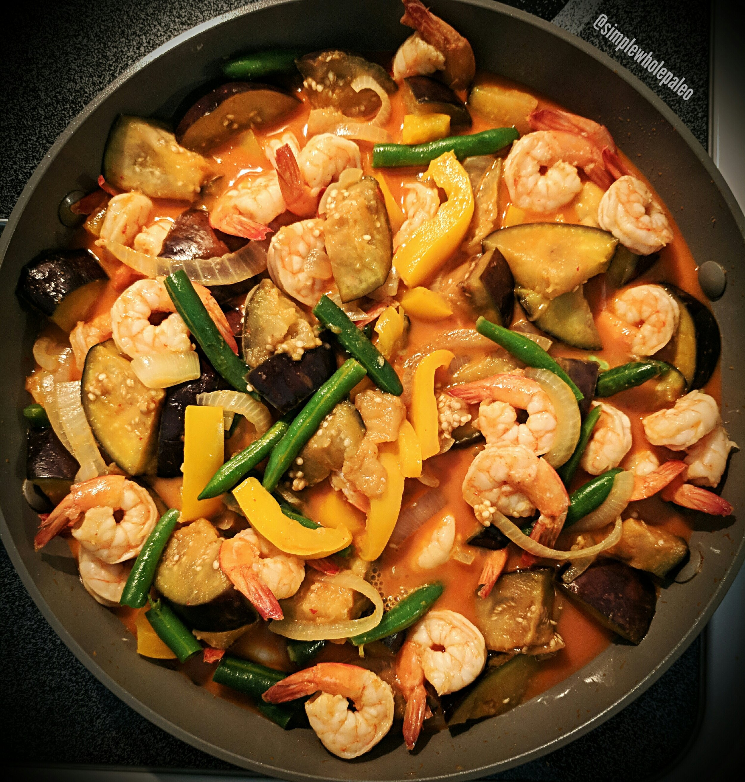 Thai coconut red curry with shrimp