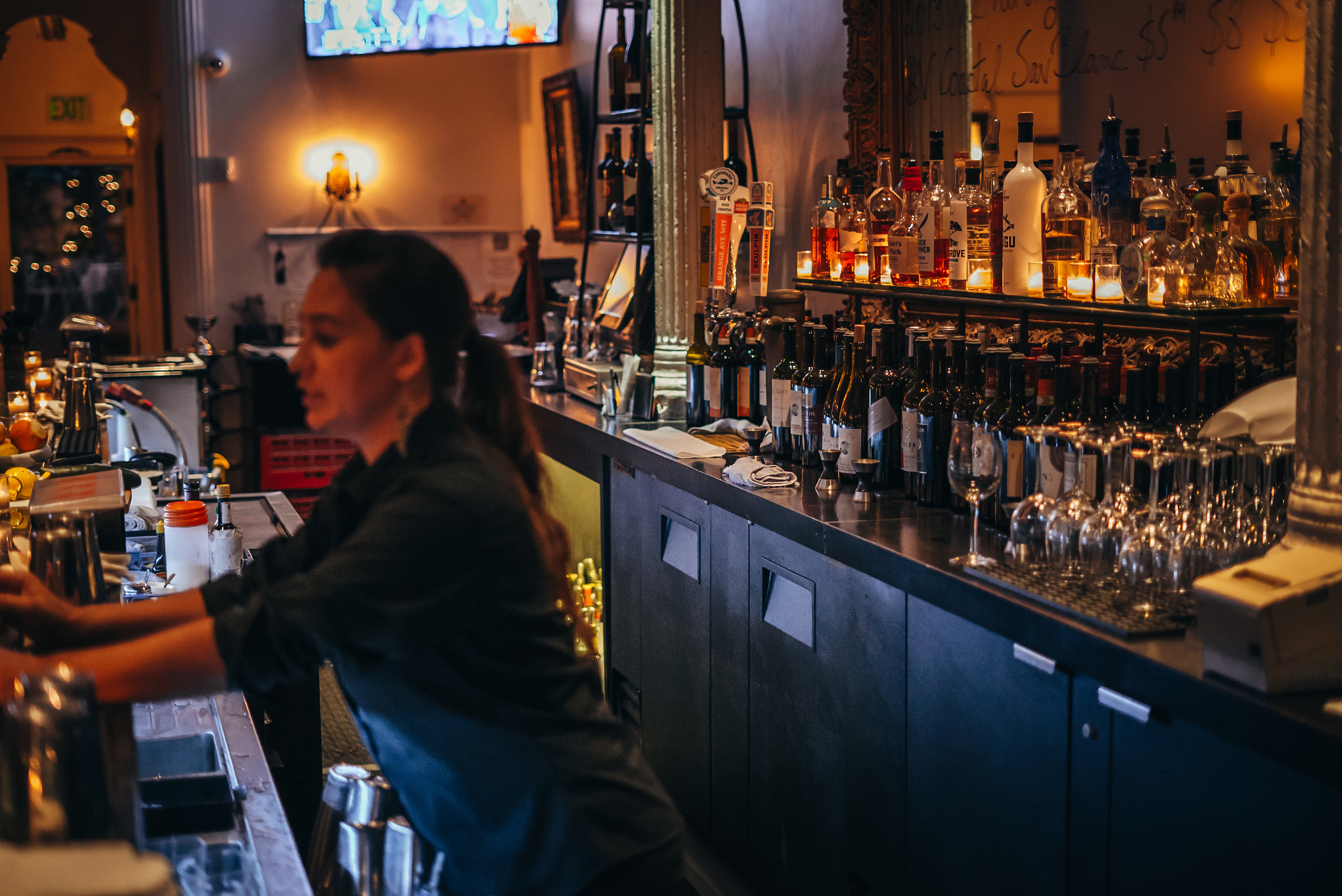 bar-night.jpg