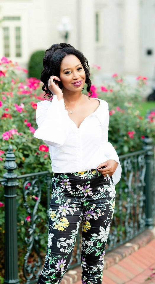 Welcome! I am Samara Taylor; Creator and writer of Styled Chic. Thank you so much for stopping by! - I am from the Golden state of California and grew up in Stockton; which is located in San Joaquin Valley. Currently, I reside in the beautiful state of Virginia, that is now home for my husband and I.Styled Chic was created in 2012, back when I wanted a little corner on the web to call my own. It has since become a space where I share all of my favorite things. Anything from my personal style at the office to everyday wear on the weekends, my favorite places to dine in the city, and also my favorite Beauty and lifestyle finds.When I'm not blogging, I'm spending time with my husband and family. I enjoy finding hidden treasures in my city, cooking, visiting local breweries, wine tasting, and I'm always on the hunt for the best Mexican food in town! I have a mild obsession with arranging flowers and home decor as well. I love to take photos and I find myself capturing moments to remember. Lastly, I love to travel. No matter near or far, I enjoy making new memories and experiencing food and life in a different location!Enjoy your day and as always Stay Chic!