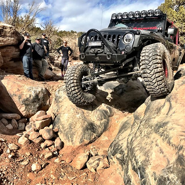 A few pictures of us doing the gate keeper on hell dorado yesterday. @maxxistires @genrightoffroad @prpseats @currieenterprises @kingshocks @racelinewheels @cbm_motorsports @blackforestgear @je_reel @kchilites @poisonspyder @cbrperformanceproducts @psc_performance_steering @alpineusa