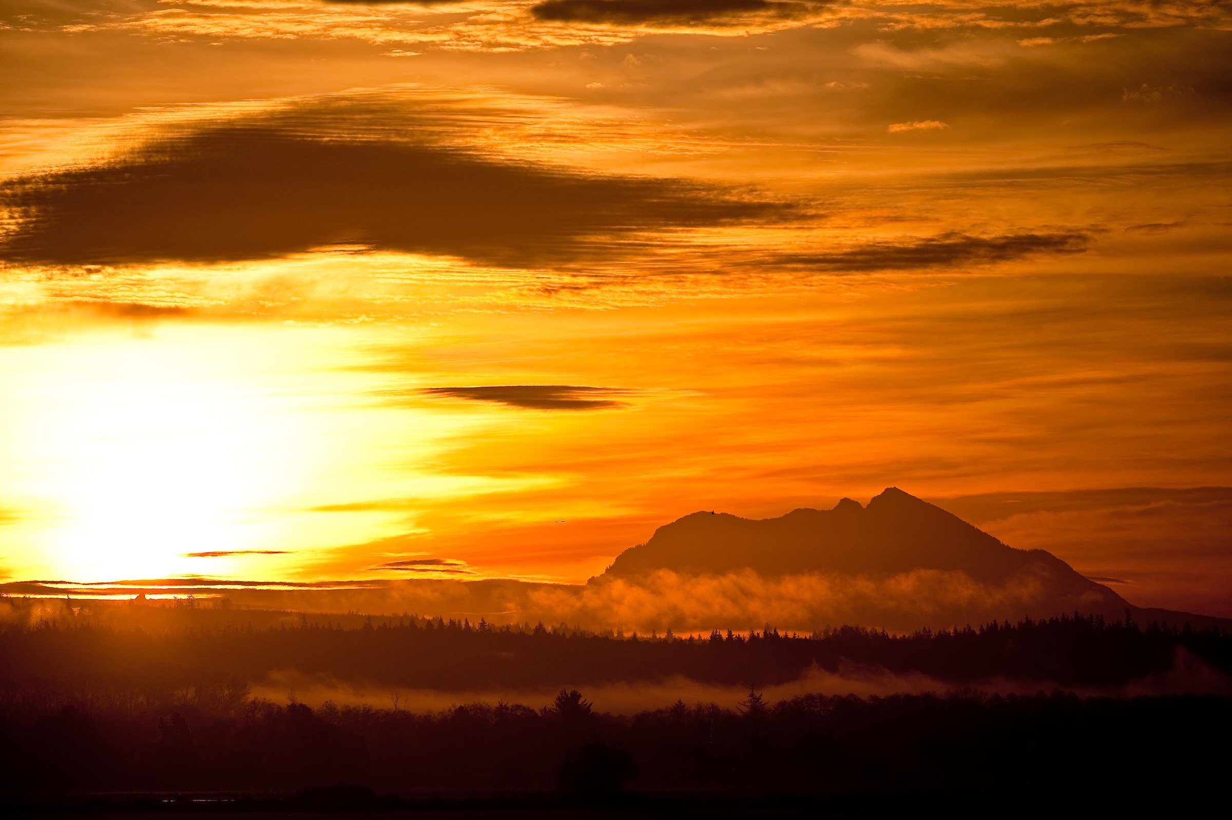SUNRISE, NORTH CASCADE MOUNTAINS. © GIVEN PHOTOGRAPHY 2018