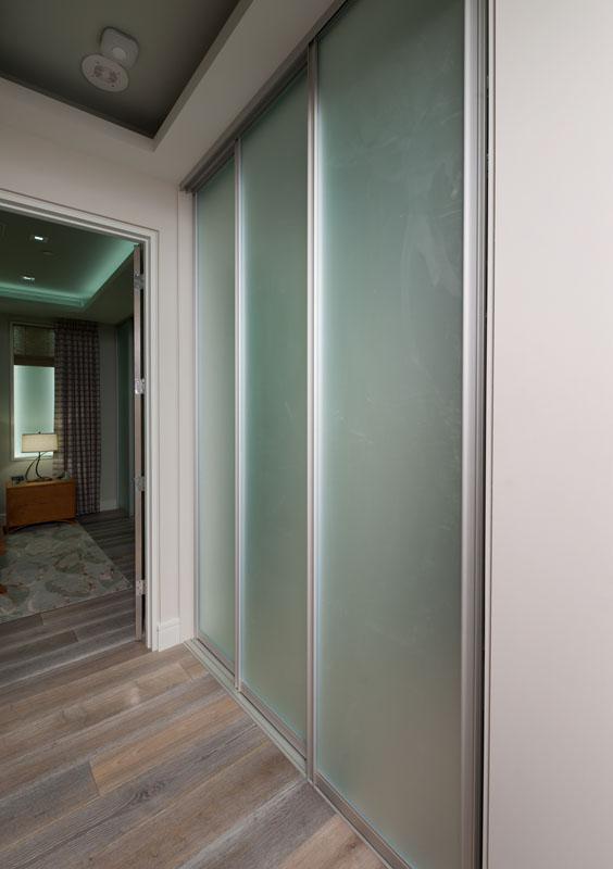 kitchen_bath_concepts_entry closet_10684.jpg