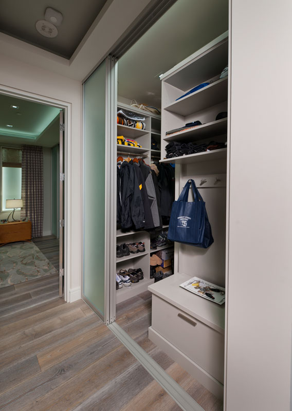 kitchen_bath_concepts_entry closet_10685.jpg