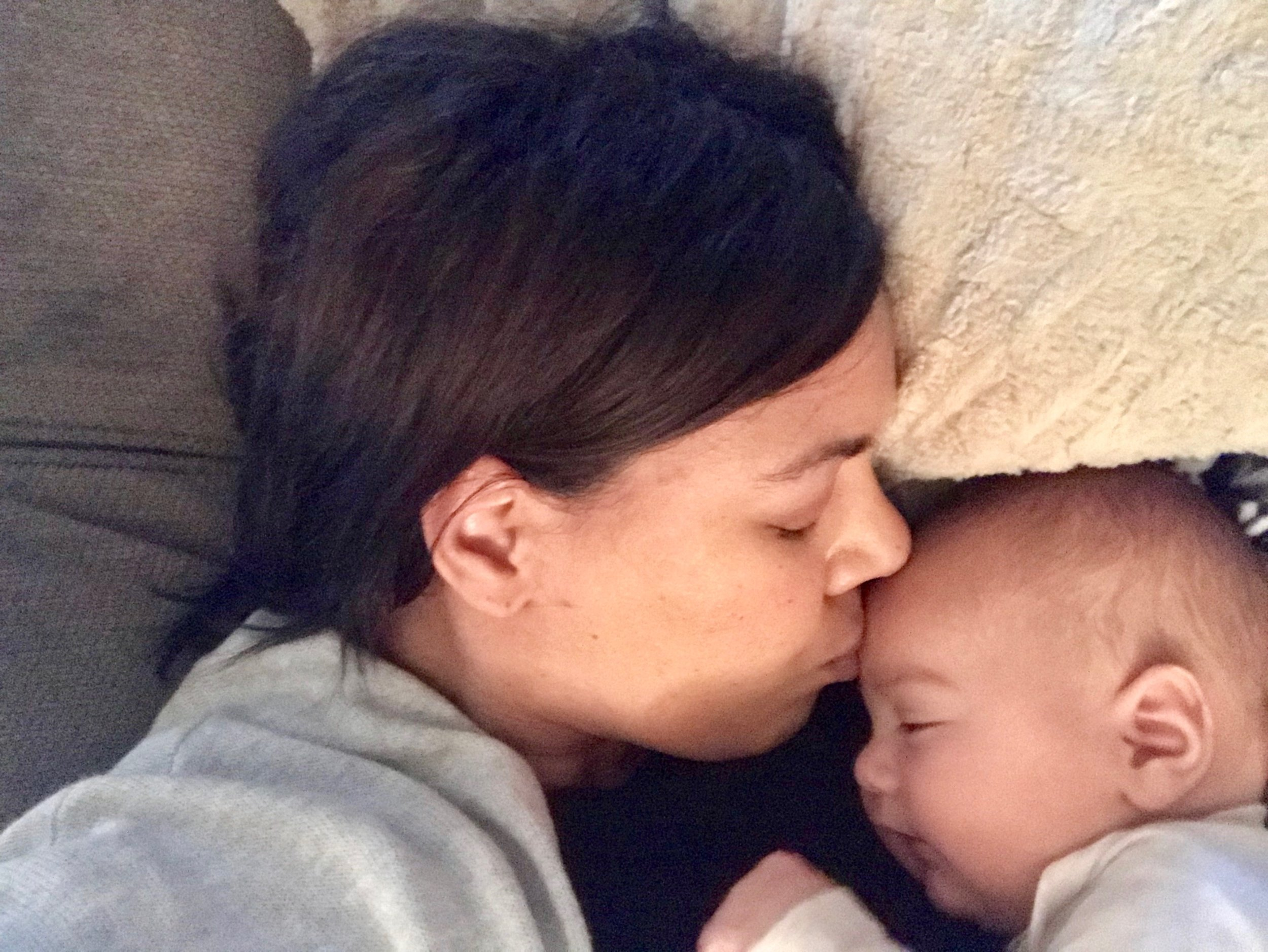 10 Ways to Support the Postpartum Mom - All moms need support after baby comes, but oftentimes well-wishers are unsure of the right kind of help and how to offer it. Check out our 10 essential tips to support a mom with a new baby and help her feel loved and supported.
