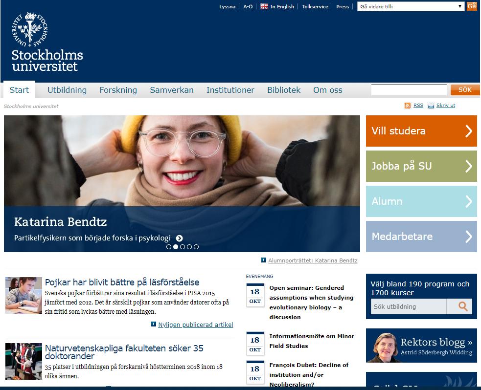 """5. Stockholms universitethttps://www.su.se/ - Design: 5/10Funktionalitet: 5/10Kan man logga in från startsidan?: NejSU är i särklass det bredaste universitet med över 50 institutioner och med ett näst intill """"oändligt"""" informationsflöde. Universitetets hemsida är därför extremt viktig för att de studerande på ett enkelt sätt ska få tillgång till nödvändig information via ett modernt och funktionellt gränssnitt. Dessvärre är SU:s hemsida su.se inte mycket att hänga i julgranen. Den är tråkigare och plottrigare än Lunds. Flikarna är i vissa fall knappt synbara. Vems ide var det t ex att lägga en vit text över en ljusblå bakgrund? Det är dags att steppa upp! För störst är inte alltid bäst."""