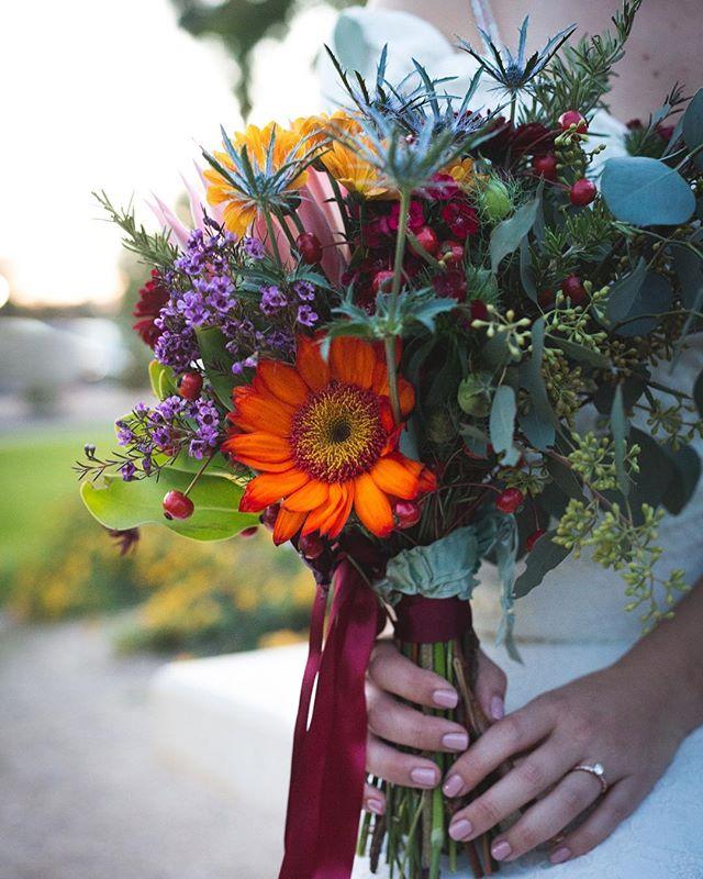 Love this Fall arrangement 😍🍁.