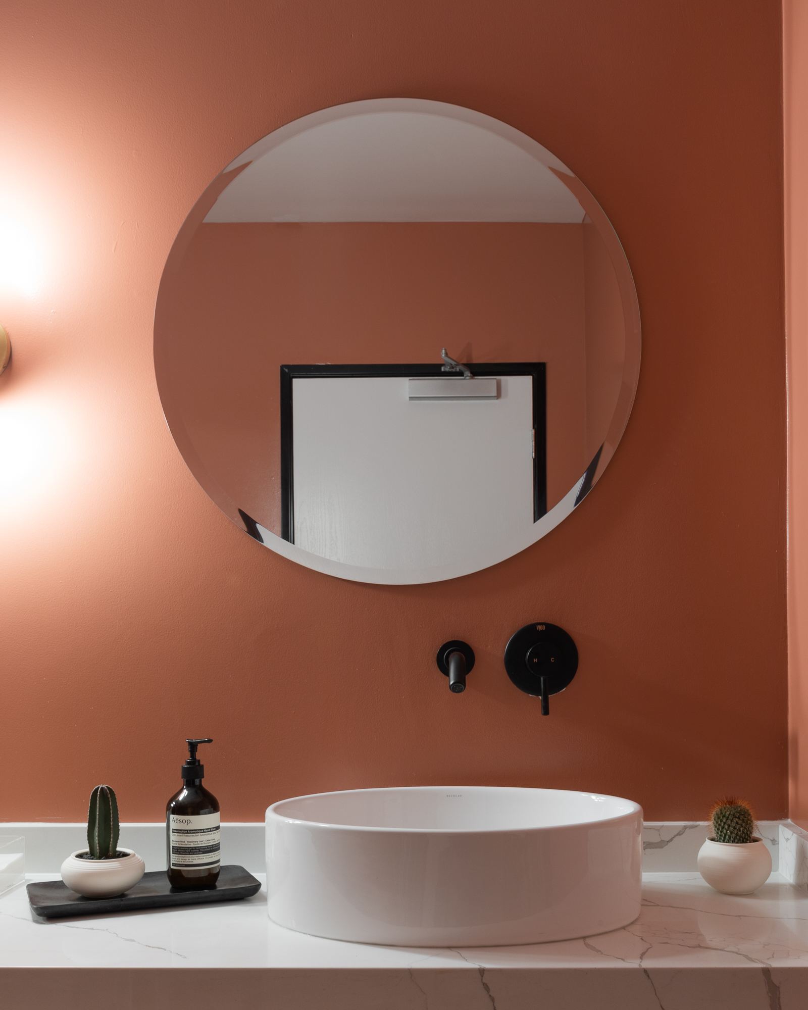 LME_Studios_Bathroom.jpg