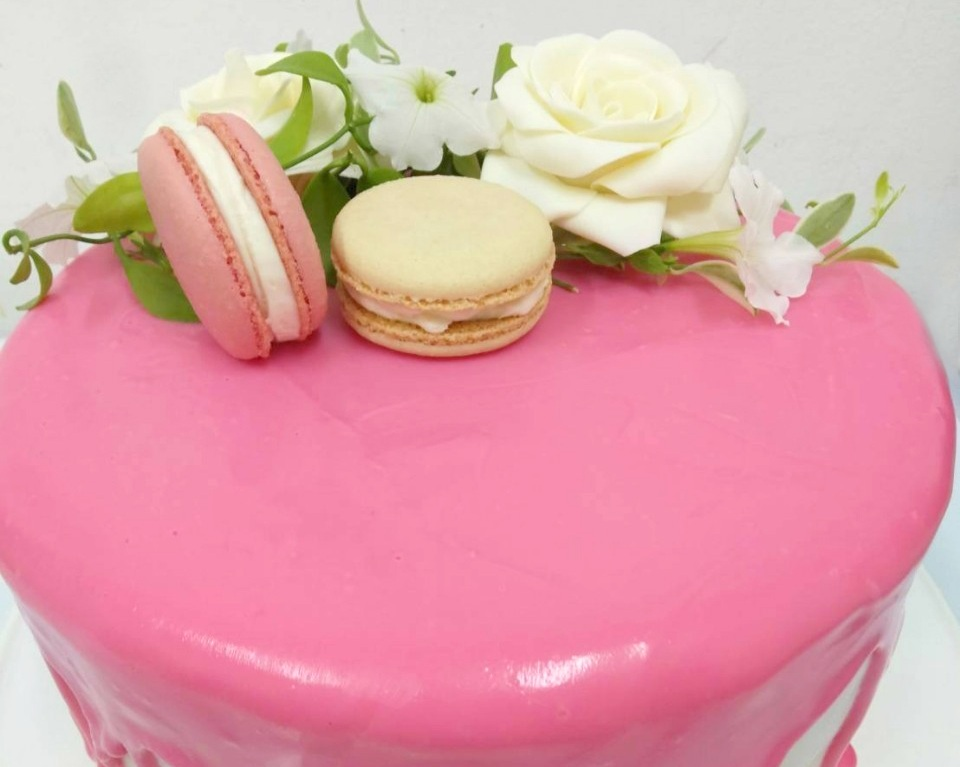 Pink+glaze+cake.jpg