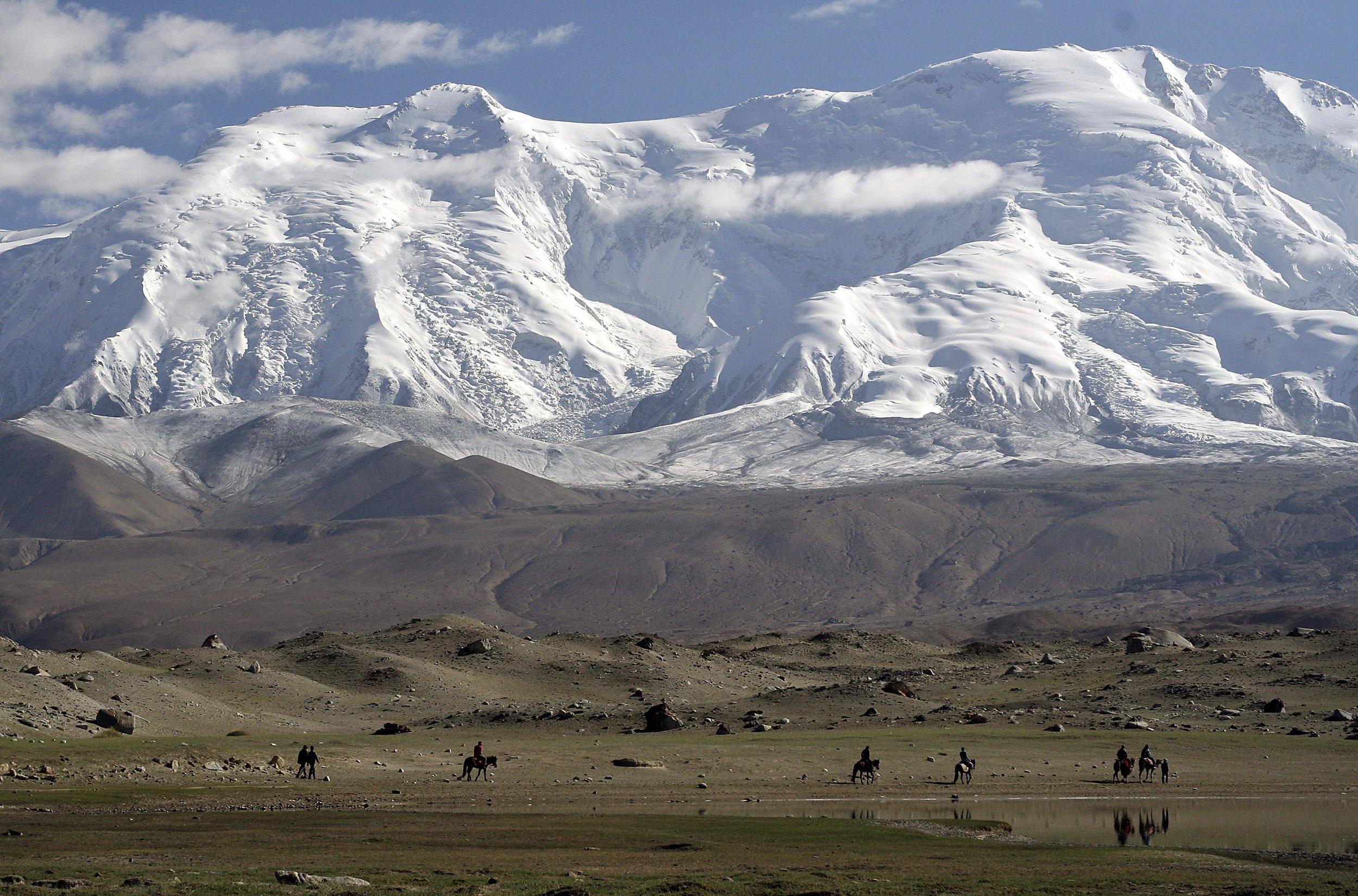 The Kunlun Shan (https://www.summitpost.org/kunlun-shan/171011