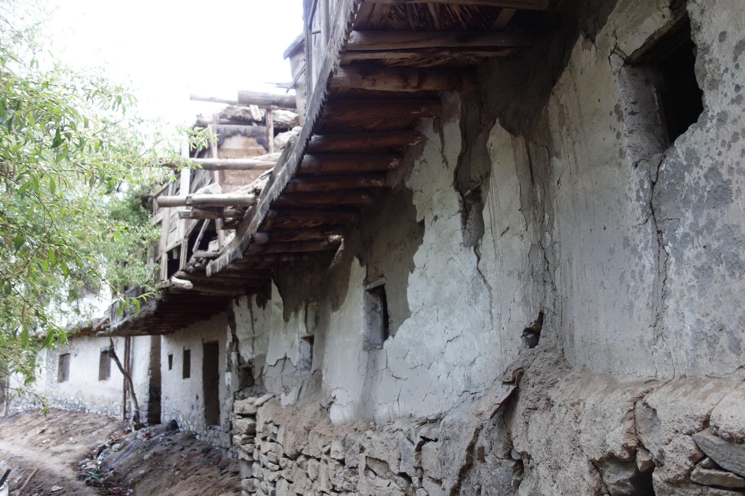 The Kargil Sarai facing the Suru River.