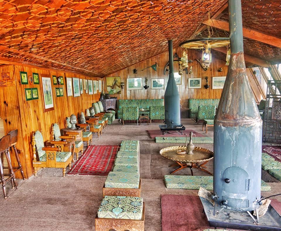 bukhari-khatamband-highlandspark-gulmarg