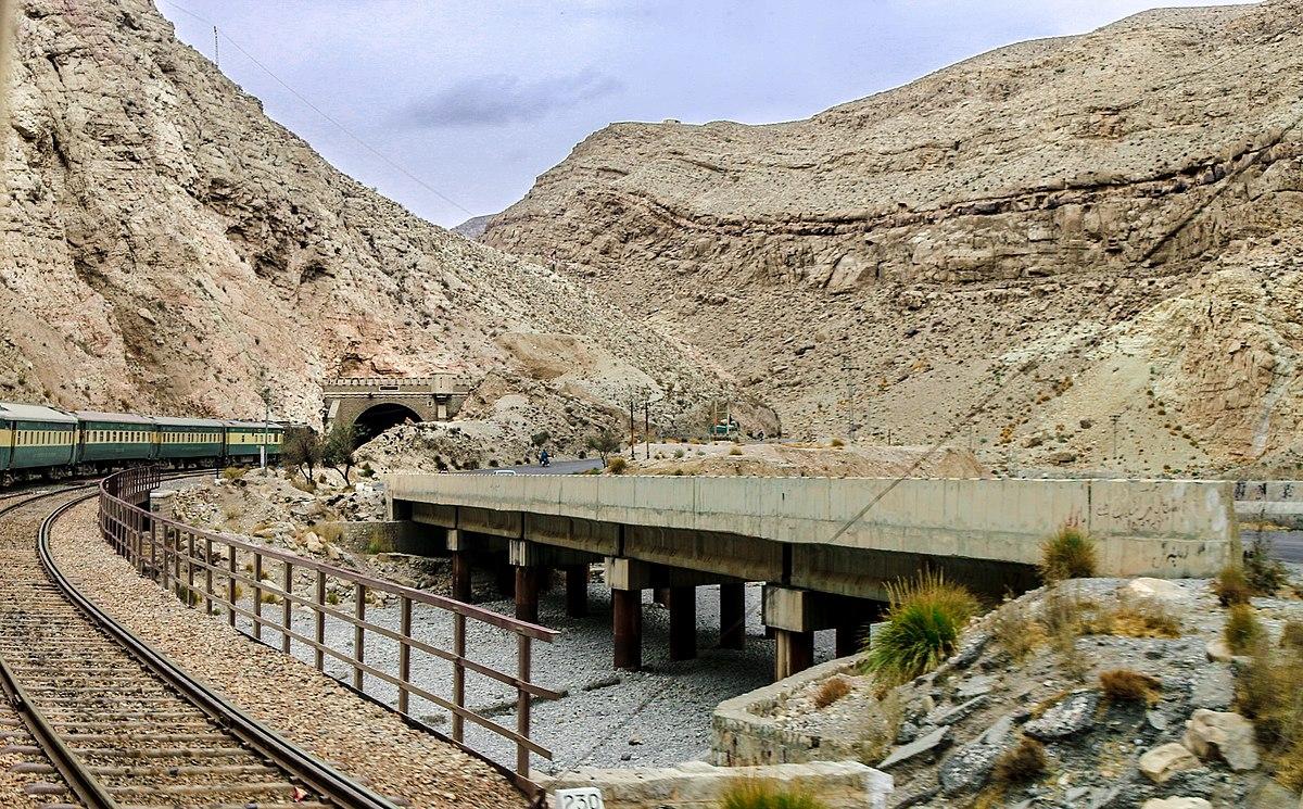 bolan-pass-railway