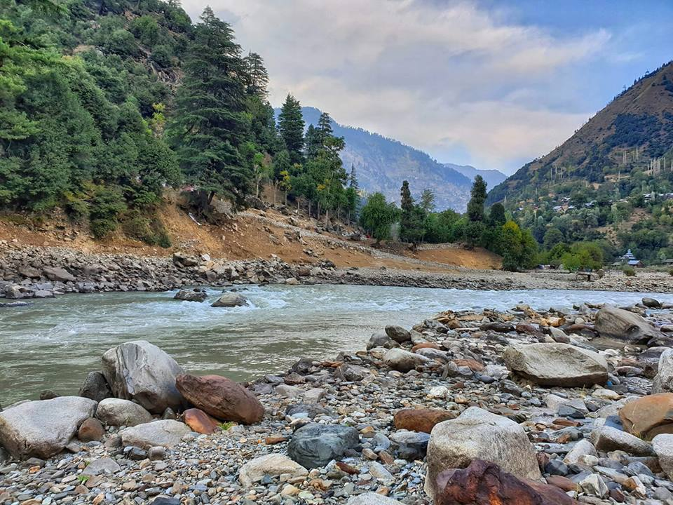 The Kishenganga River (called the Neelum once it crosses the LOC serves as the LOC for most of the Borders in this area. This is the River in the Keran Sector.