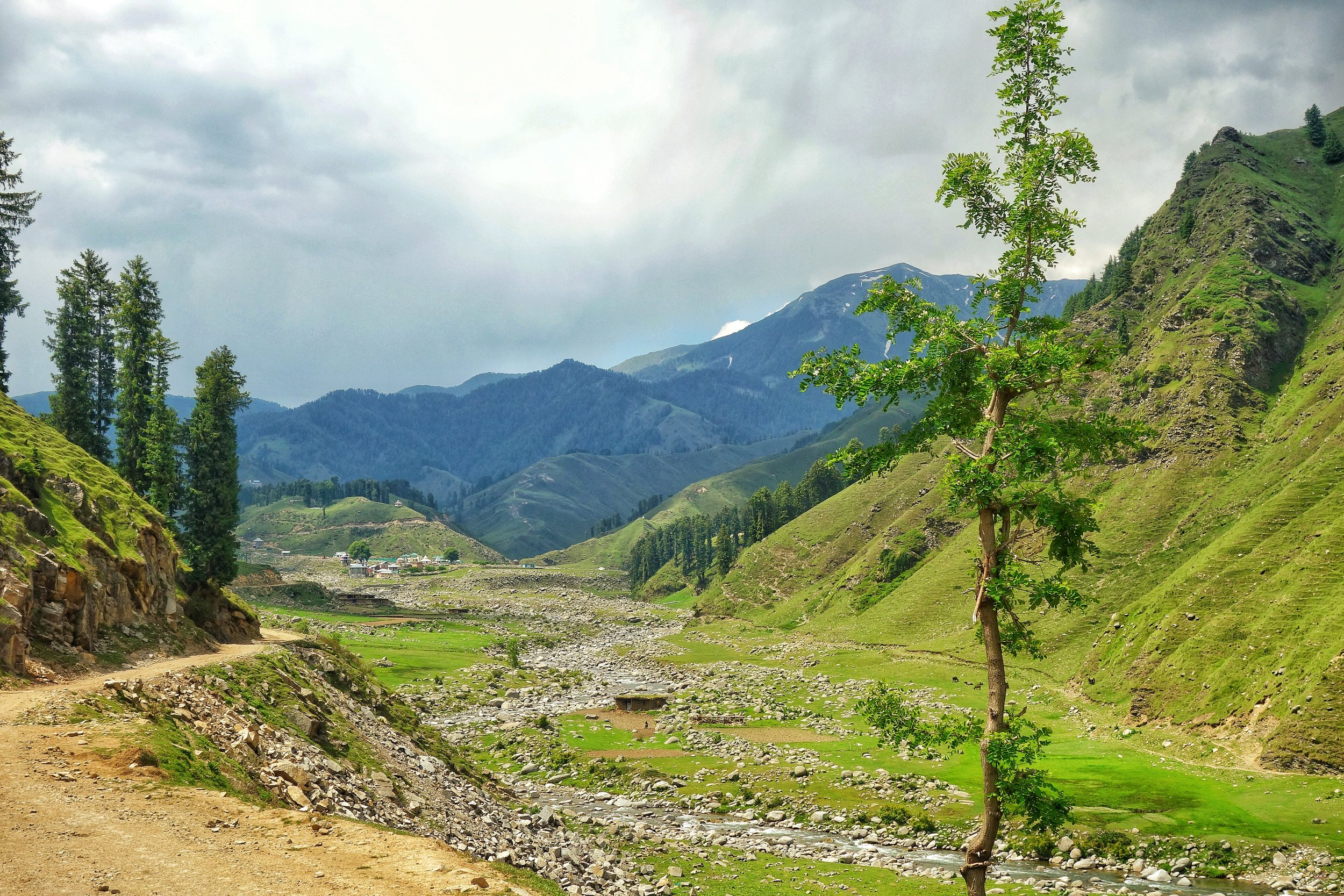 Our first views of the beautiful Sarthal Valley !