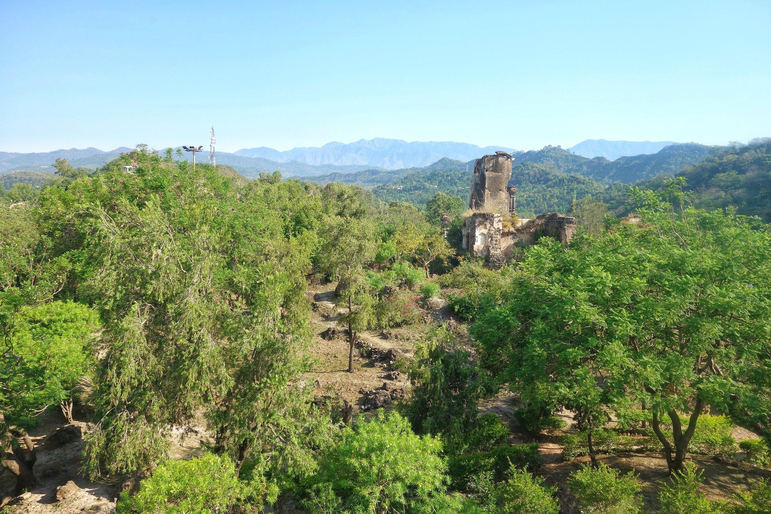 basohli-fort-ruins