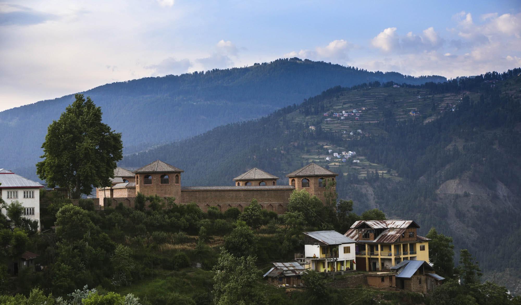 bhaderwah-fort-1