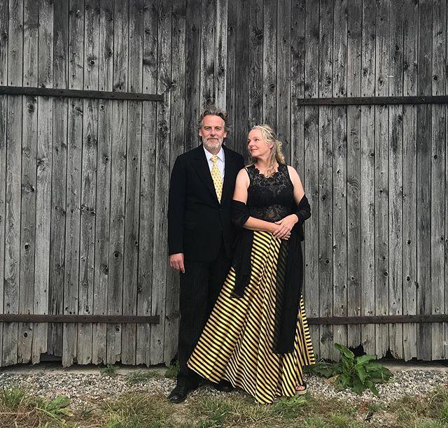 Your hosts dressed for dinner.⠀ ⠀ #gramsgård #gramsgard #visitskåne #visitösterlen #österlen #visitsweden #simrishamn #balticsea #skåneleden #stfturist #schweden
