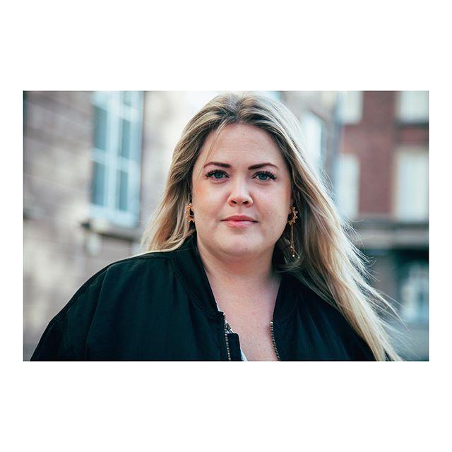 Jeg er bare mega glad for at have så smukke og stærke kvinder som mine kunder! 💙 Too bad kan man ikke se vipperne på radio, men til gengæld kan man godt følge deres liv via Sandies seje stories @sandiewesth eller høre dem på @p7mix når hun blinker tæt på mikrofonen. 😉😍 . . . . . . . . . . . #volumelashes #lashes #powerkvinder #powerwomen #københavn #copenlashes #copenhagen #vipper