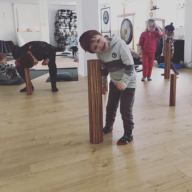 🌲✨Hljóðævintýri í regnsúluskógi ✨🌲 #childrensyoga #yoga