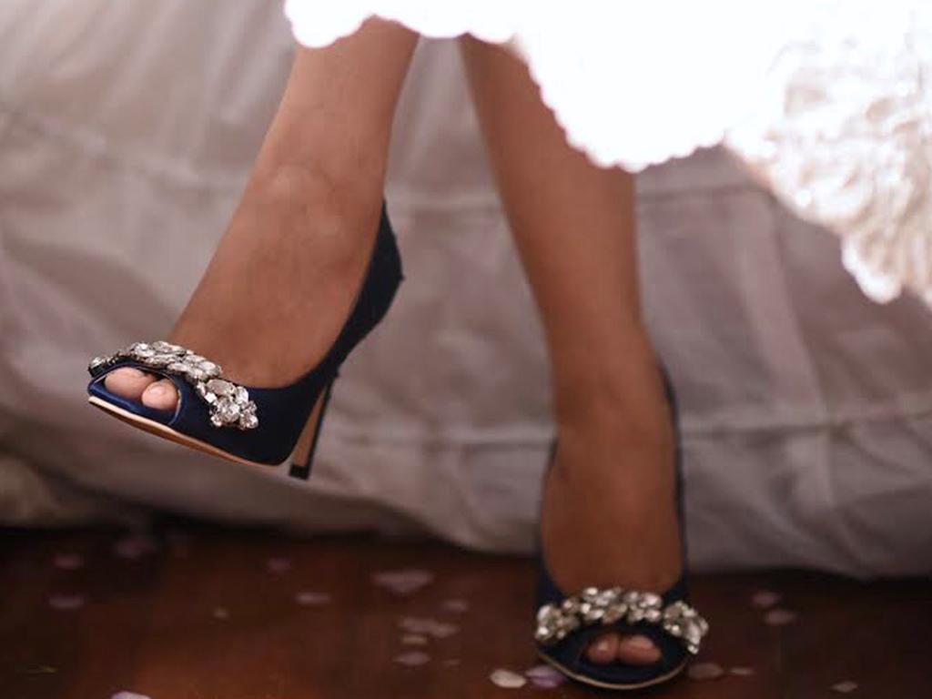 MJ!! Maraming maraming salamat sa Shoes!! After more than a year of waiting, nasuot ko rin!!!! thank you!!! Hindi nila ako pinahirapan! :) :) :) sana may susunod pa ulit! Hehehe