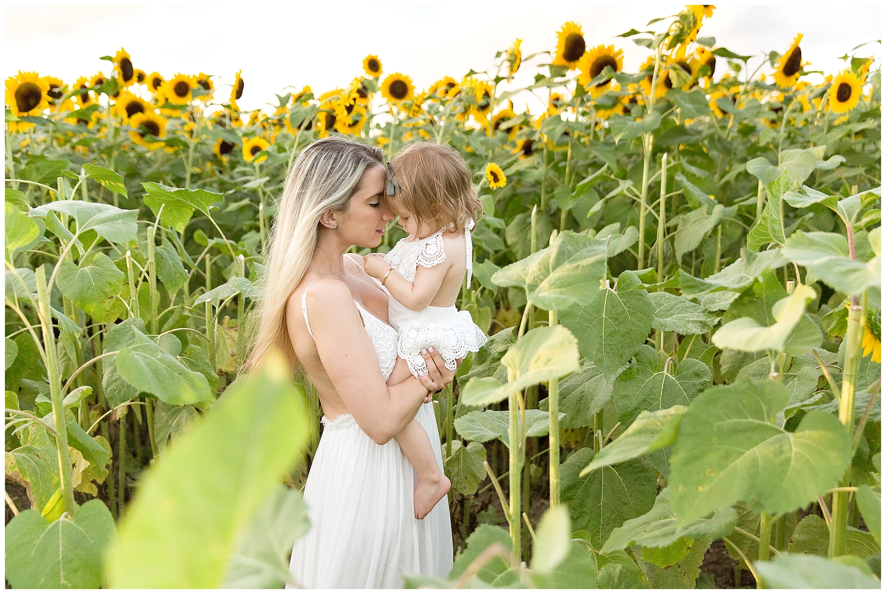 Mommy and me photoshoot in sunflower field miami florida