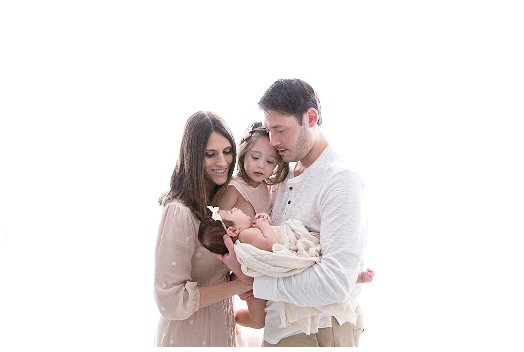family welcomes newborn baby | miami newborn photographer