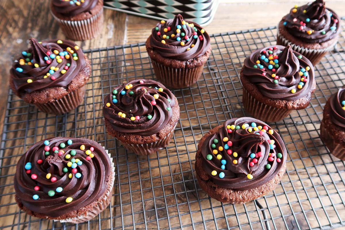 chocolate cupcakes3.jpg