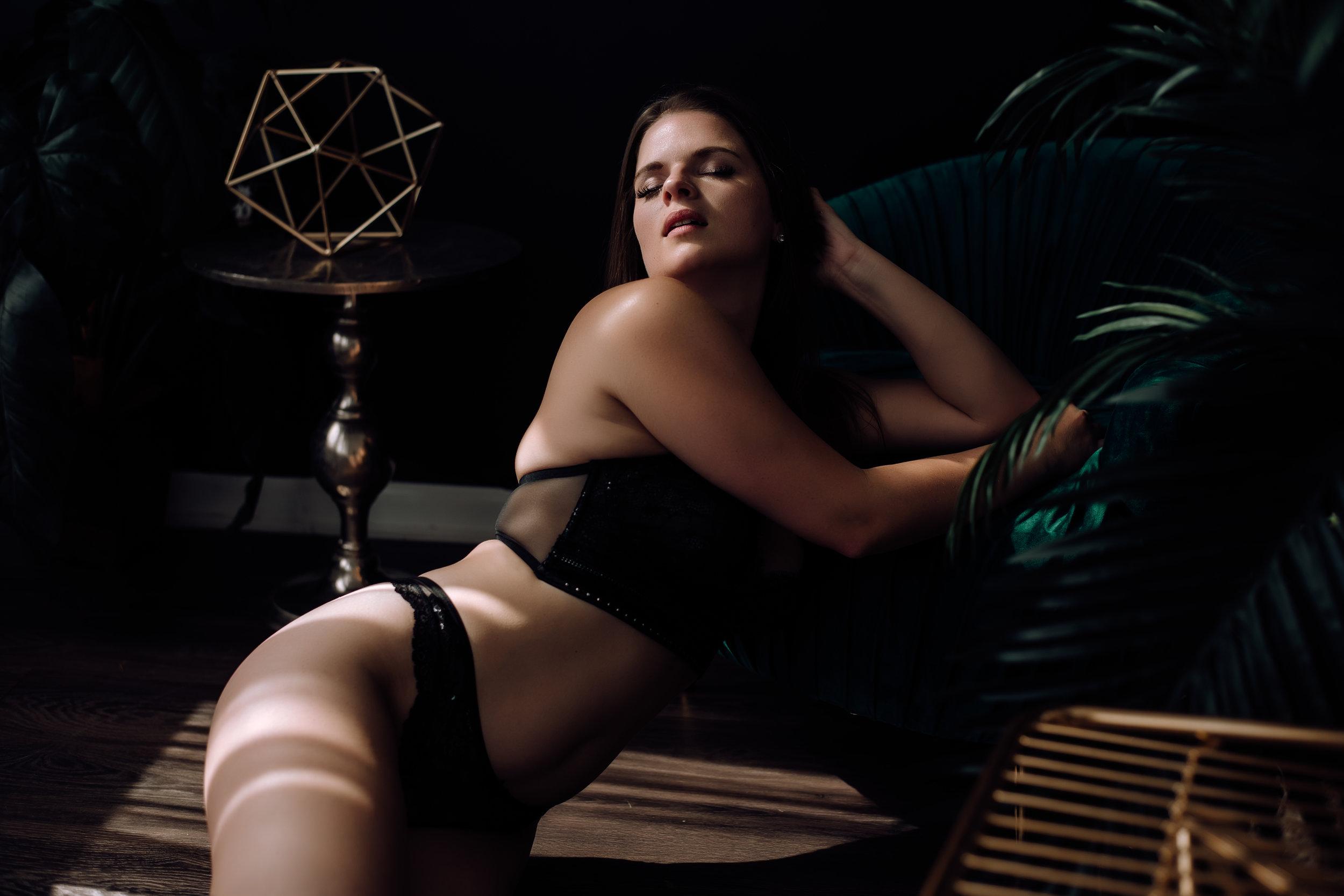 boudoir-photography-best-in-berks-9.jpg