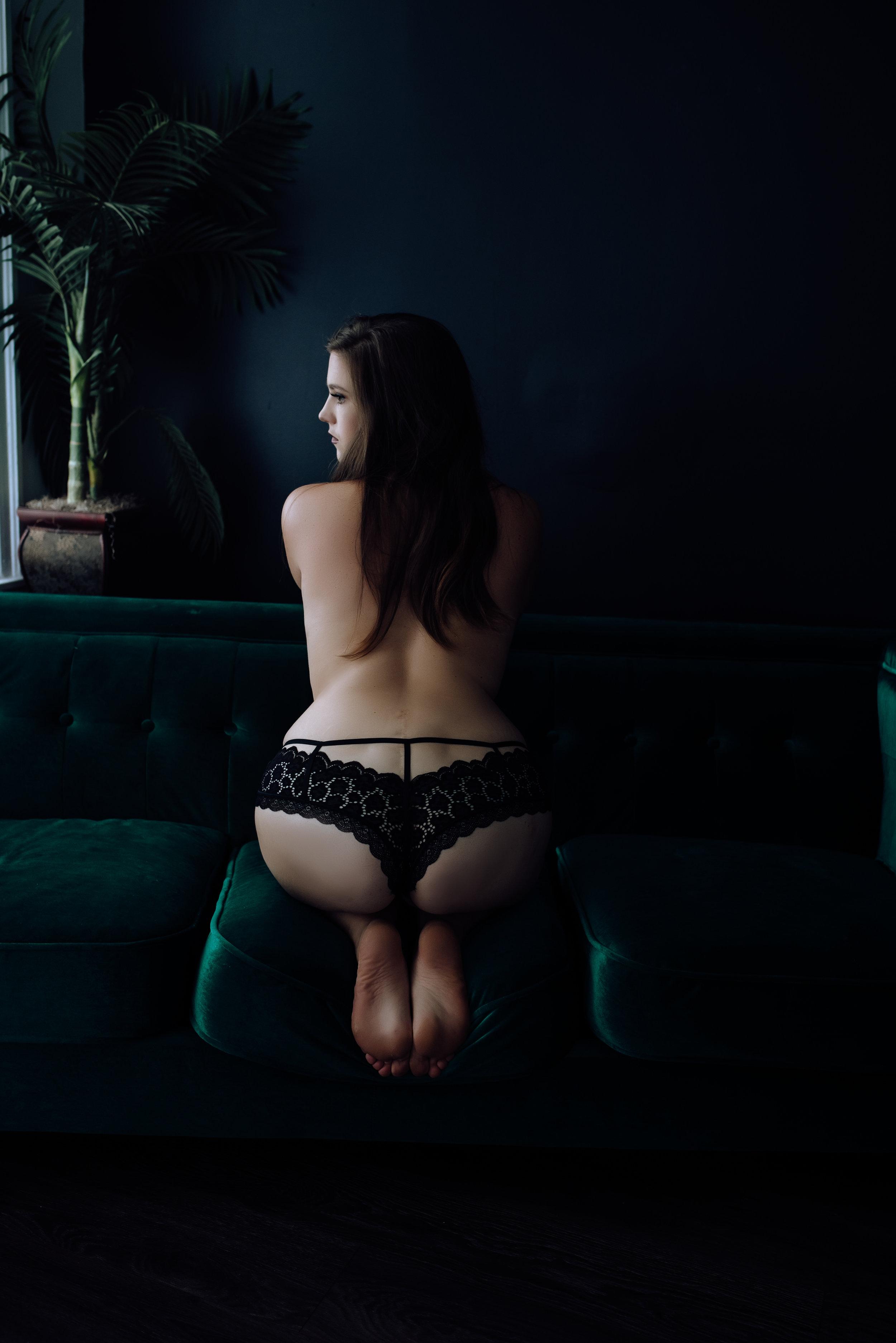 boudoir-photography-best-in-berks-30.jpg