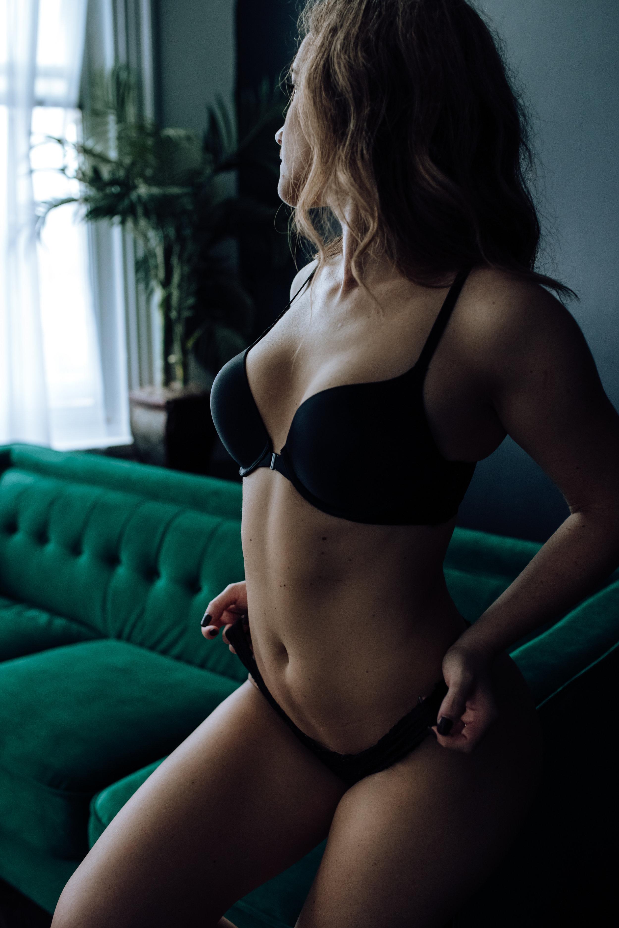 boudoir-photography-best-in-berks-32.jpg