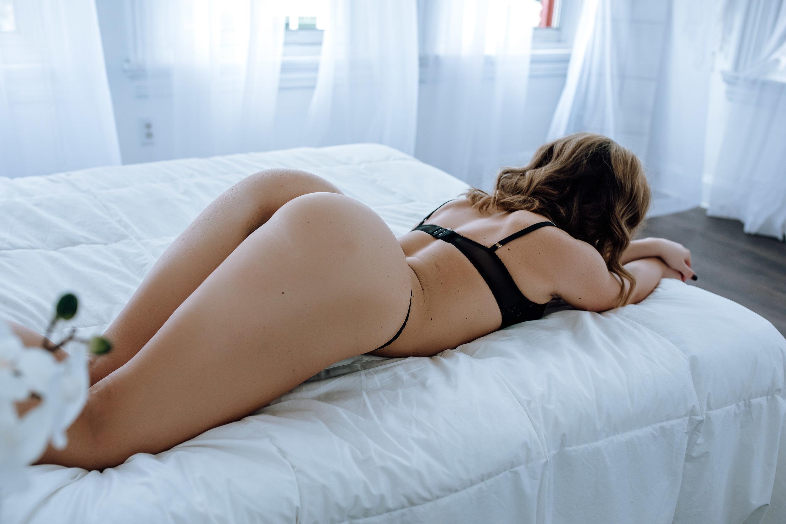 best-boudoir-photographer-east-coast-2.jpg