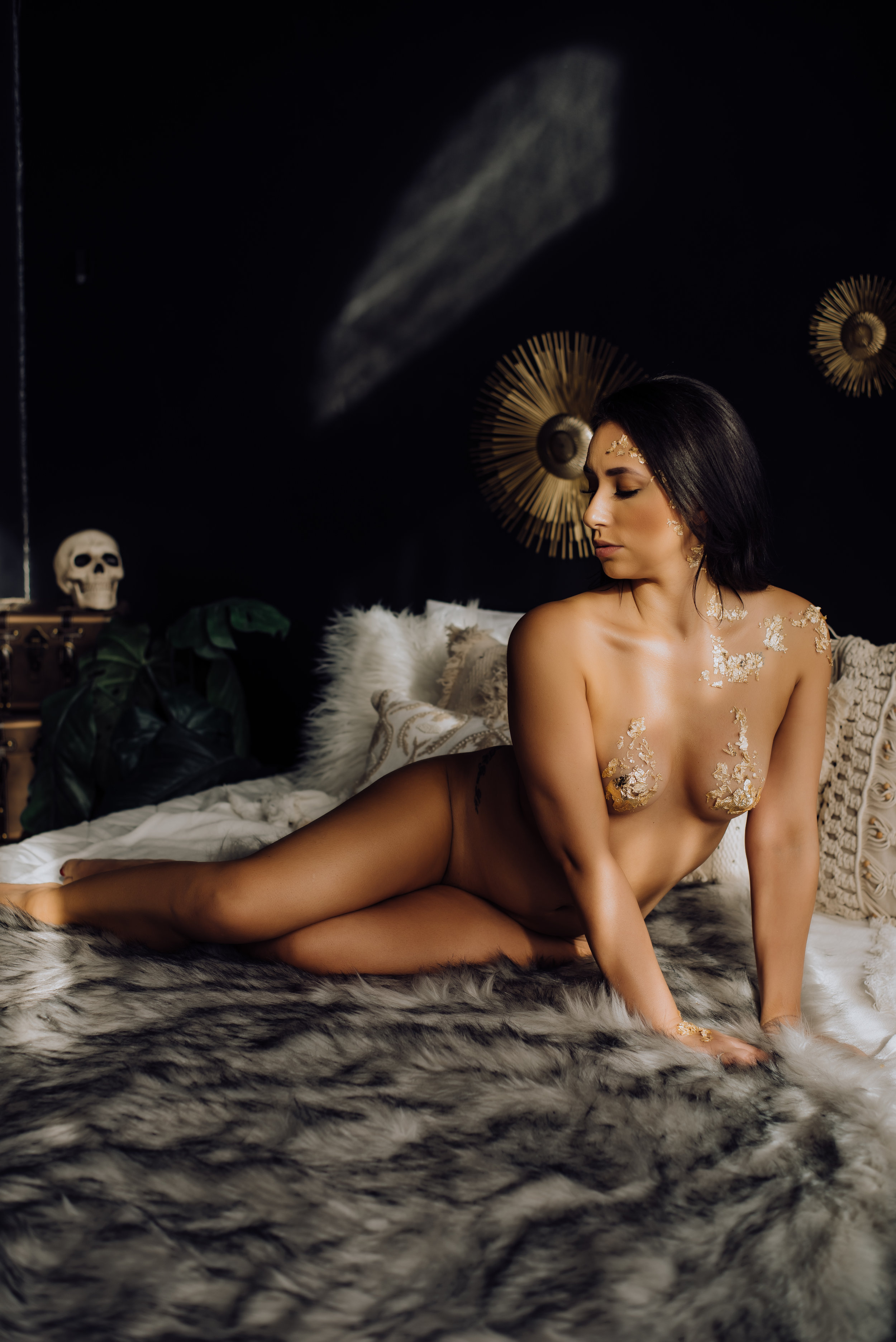 boudoir-photographer-gold-foil-59.jpg