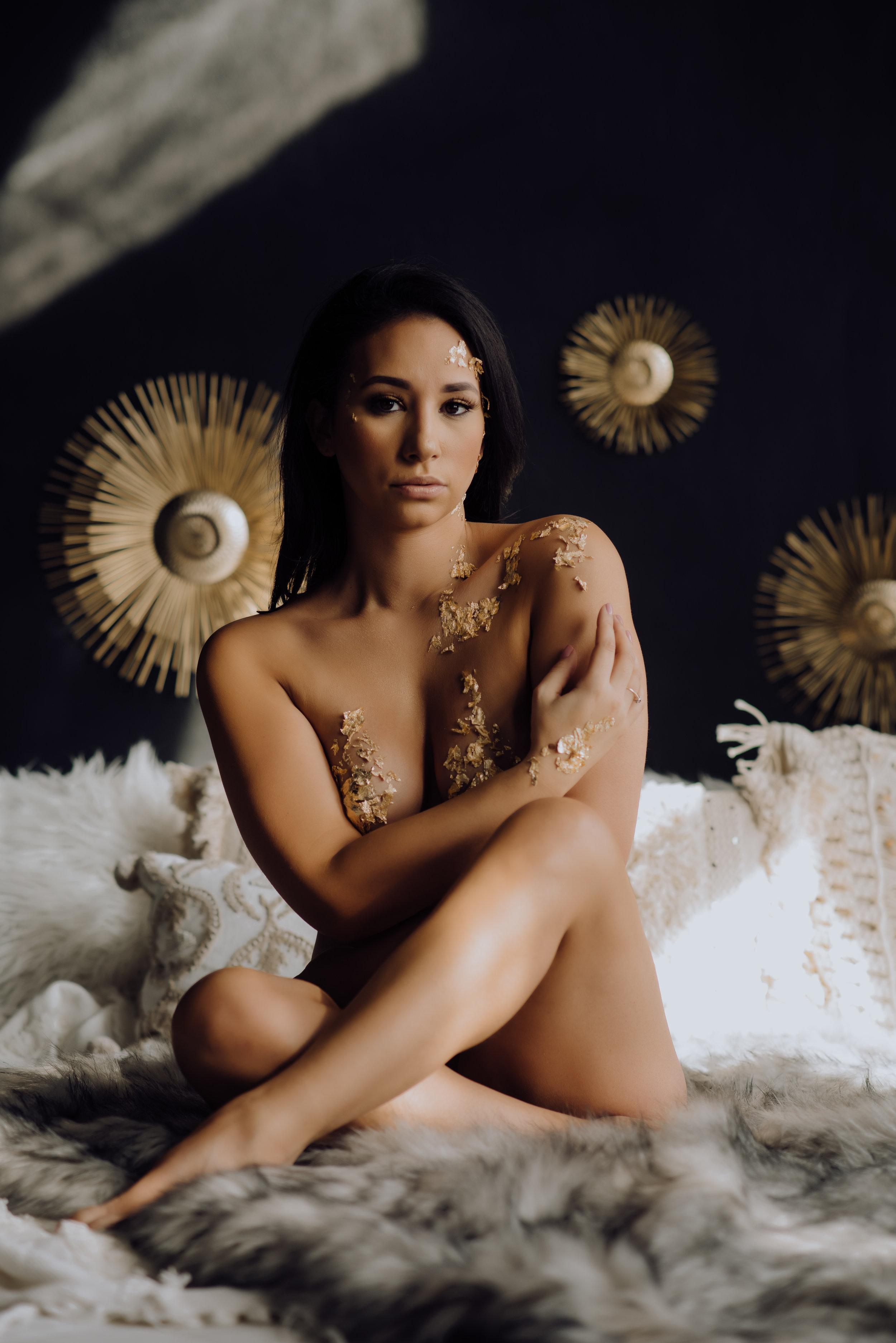 boudoir-photographer-gold-foil-85.jpg