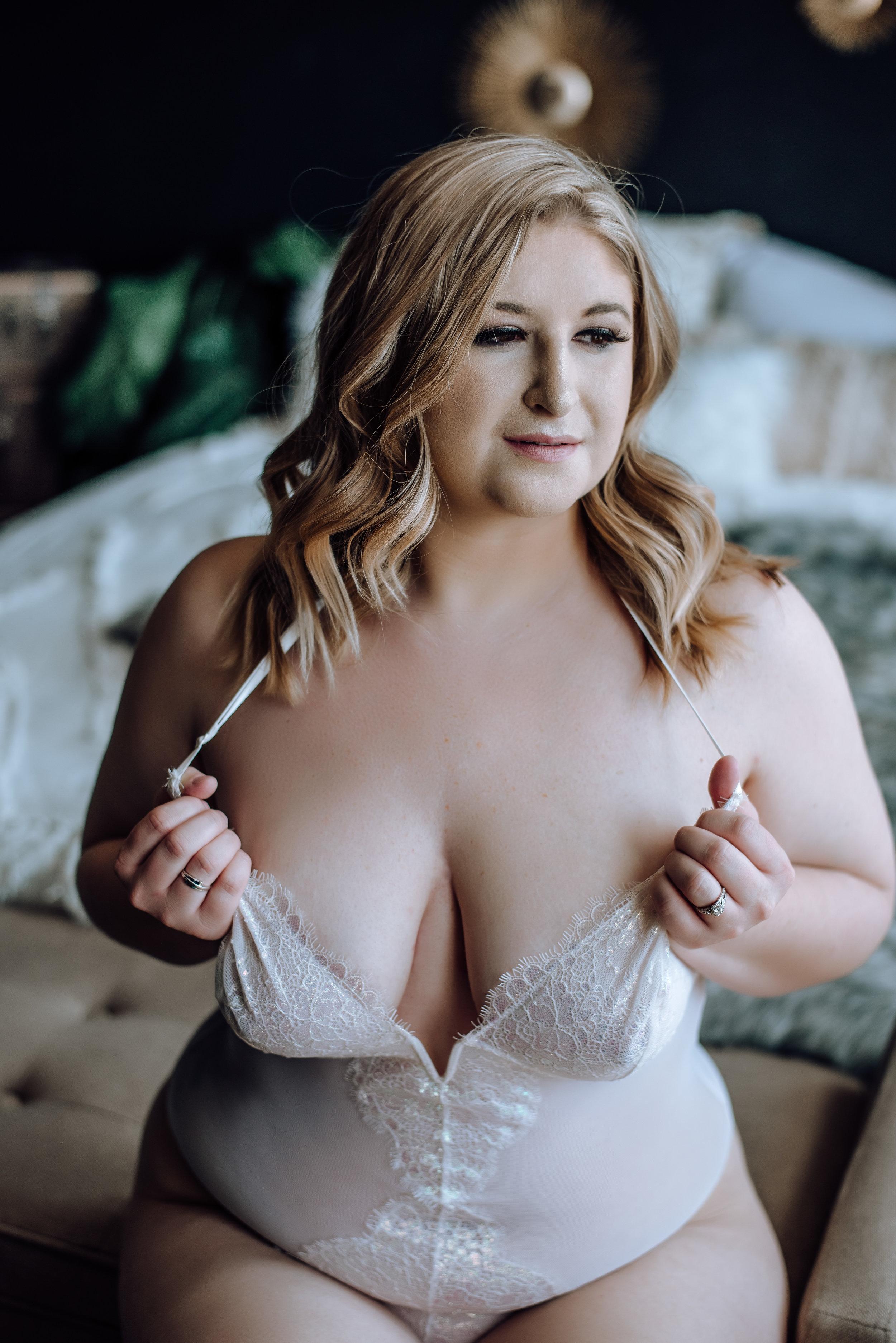 best boudoir photographer near me-10.jpg