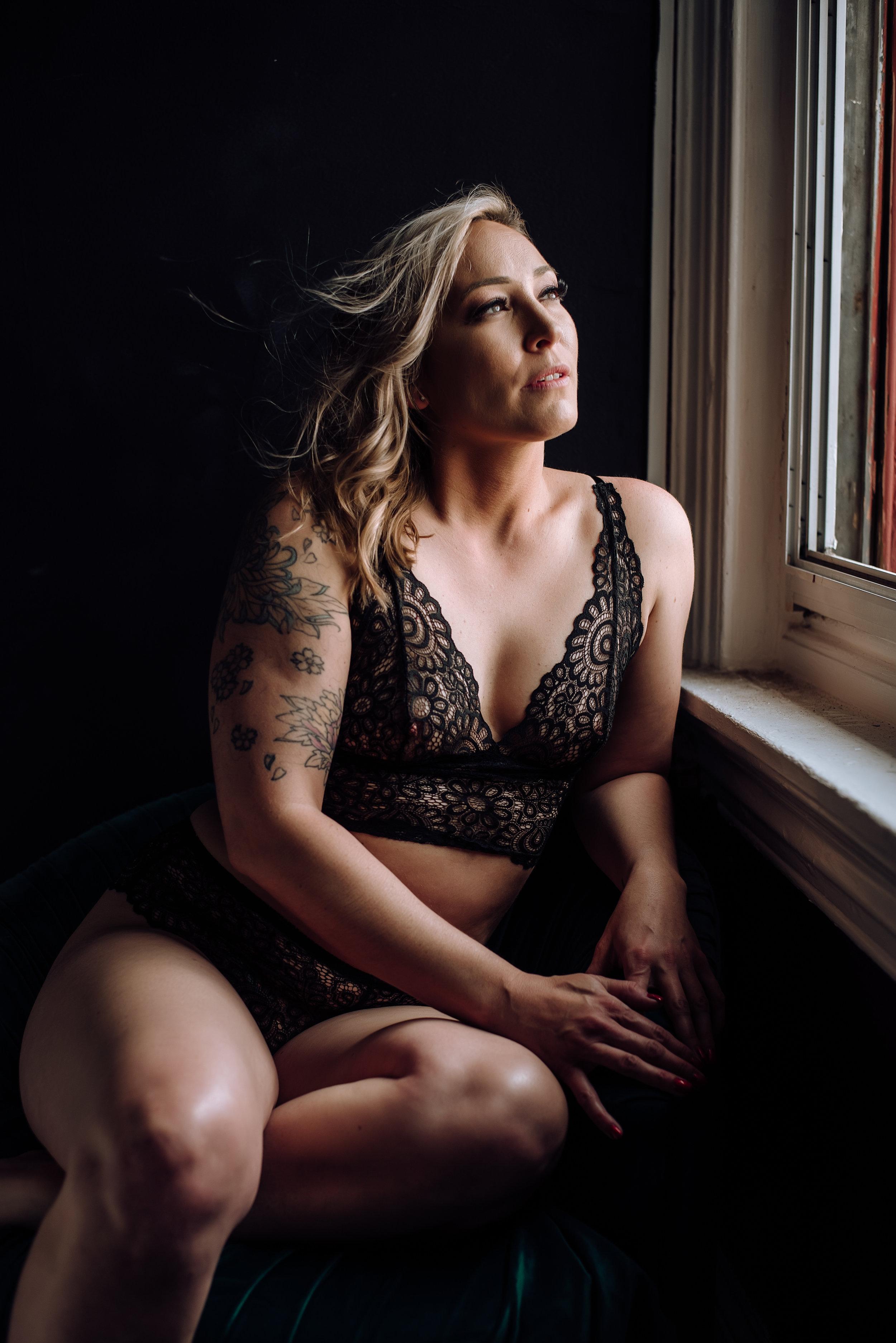 boudoir photographer-7.jpg