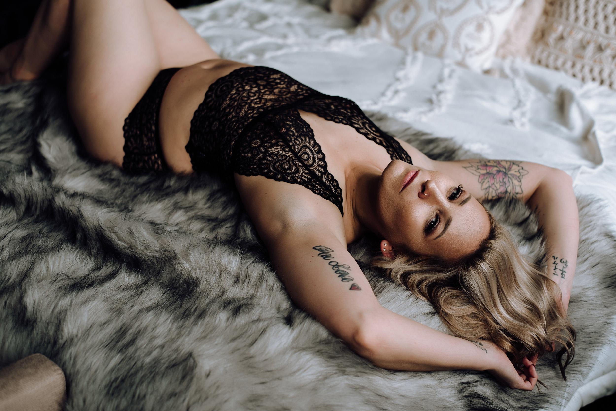 boudoir photographer-31.jpg