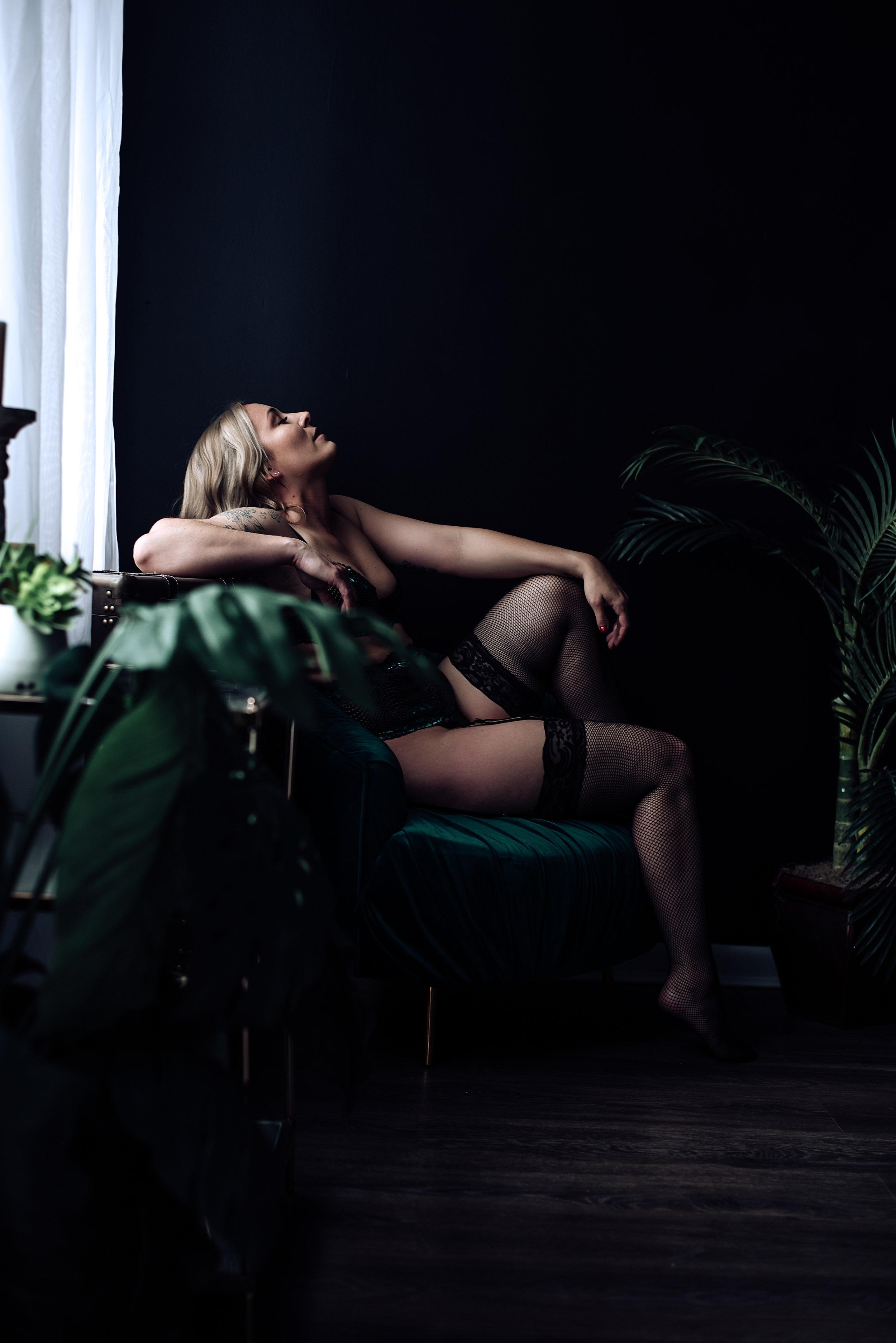 boudoir photographer-2.jpg