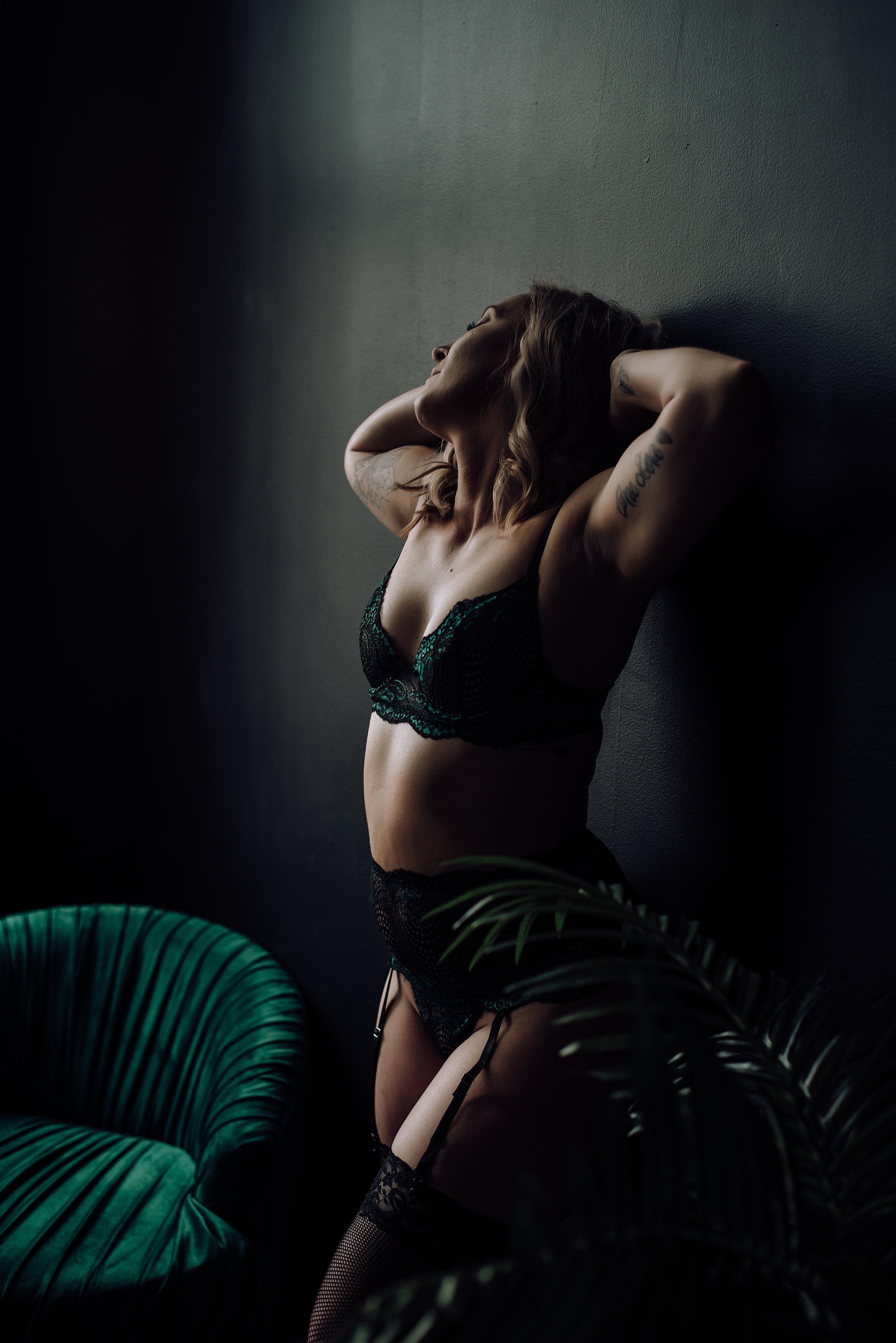 boudoir photographer-4.jpg