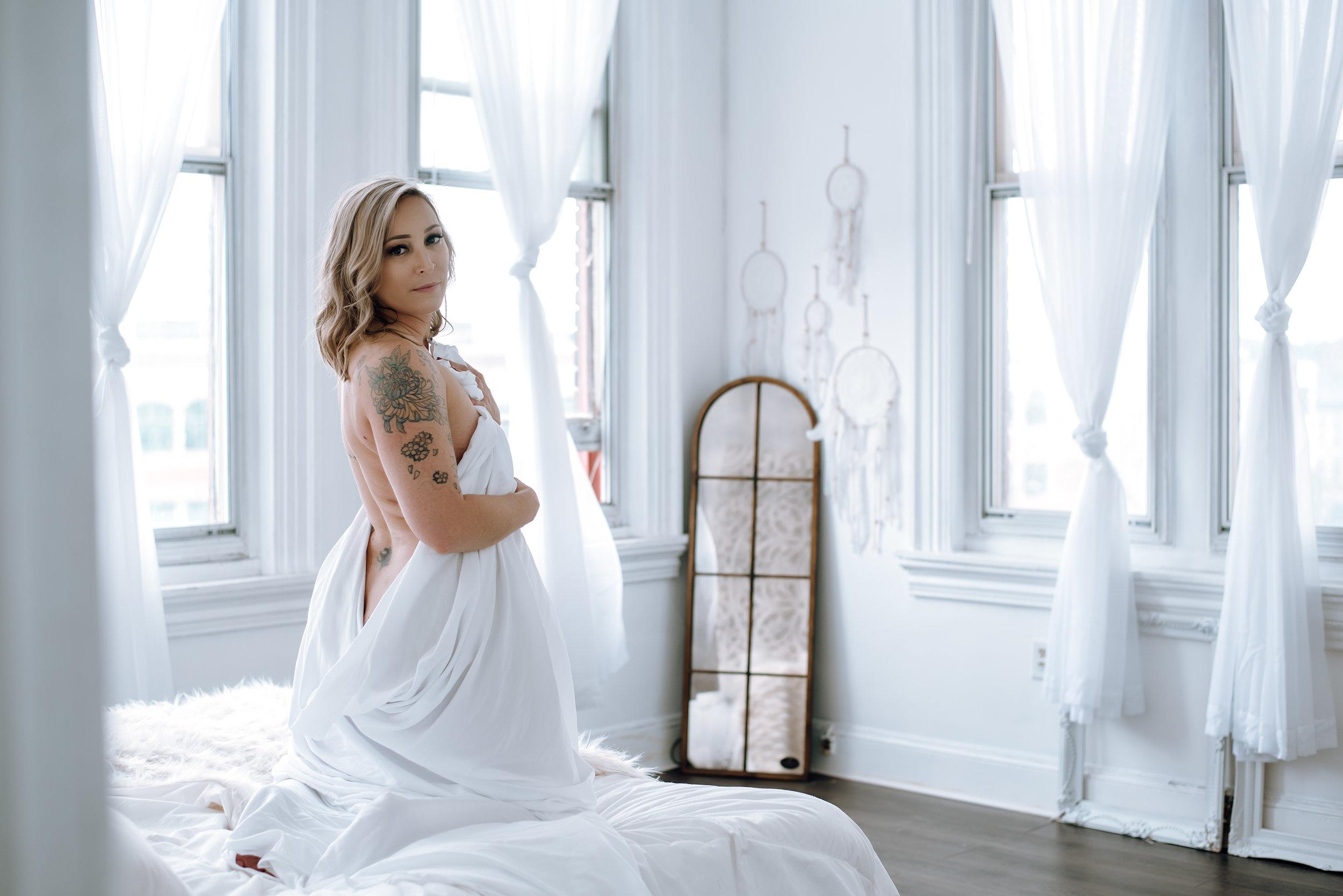 boudoir photographer-33.jpg