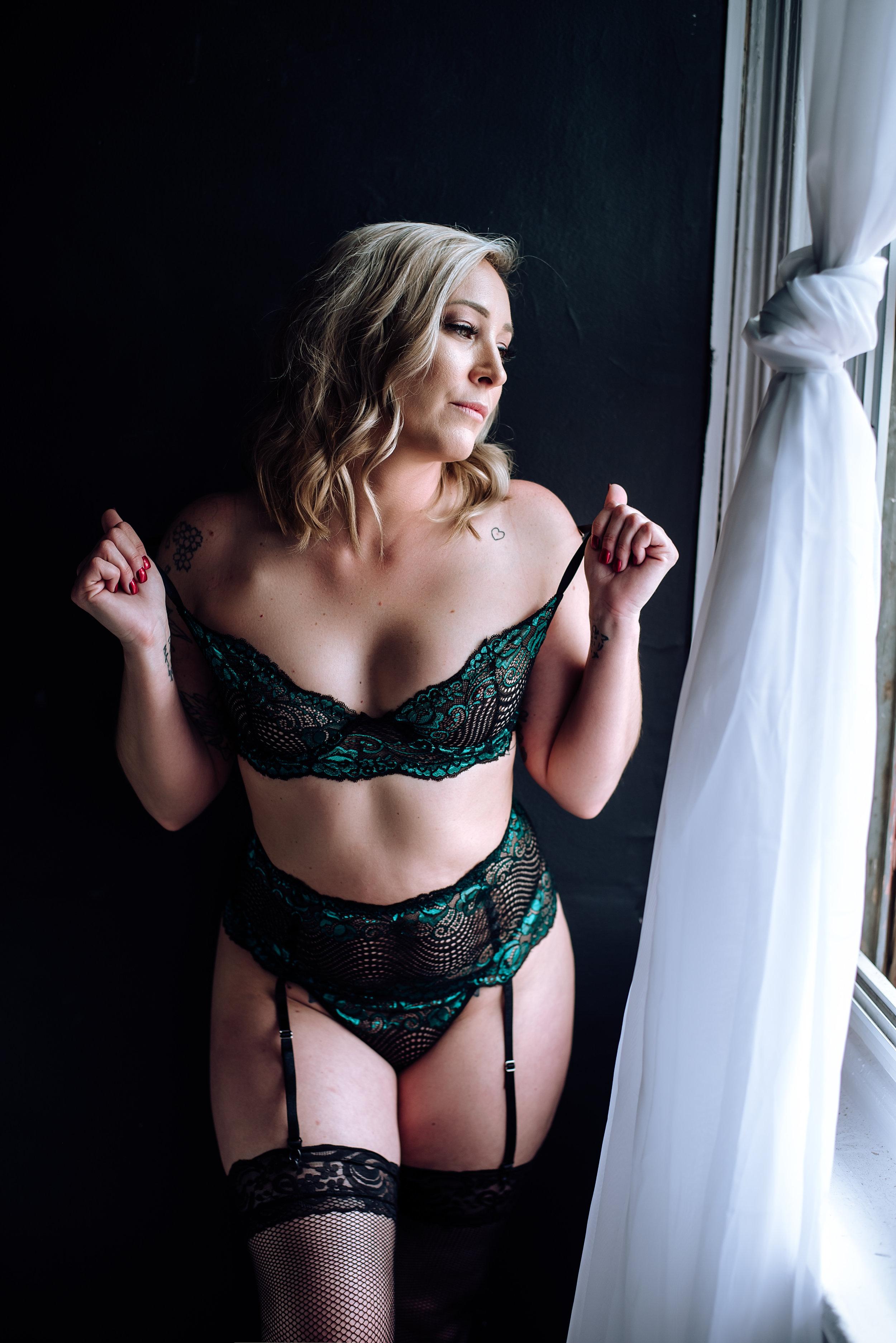 boudoir photographer-26.jpg