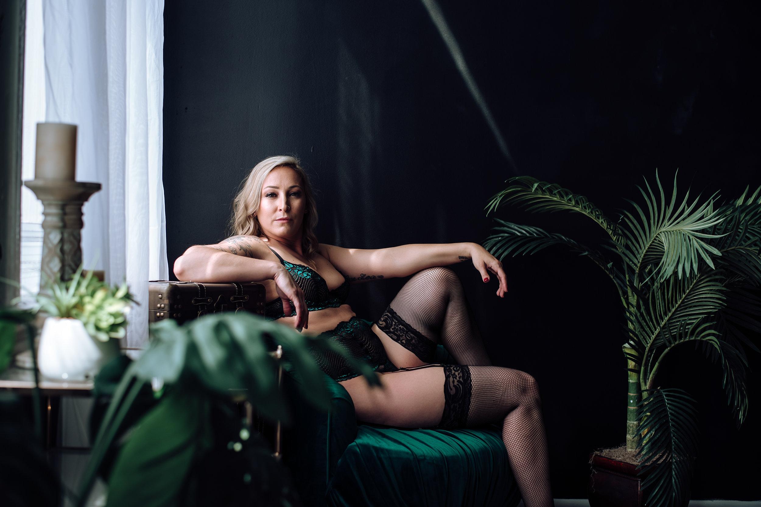 boudoir photographer-22.jpg