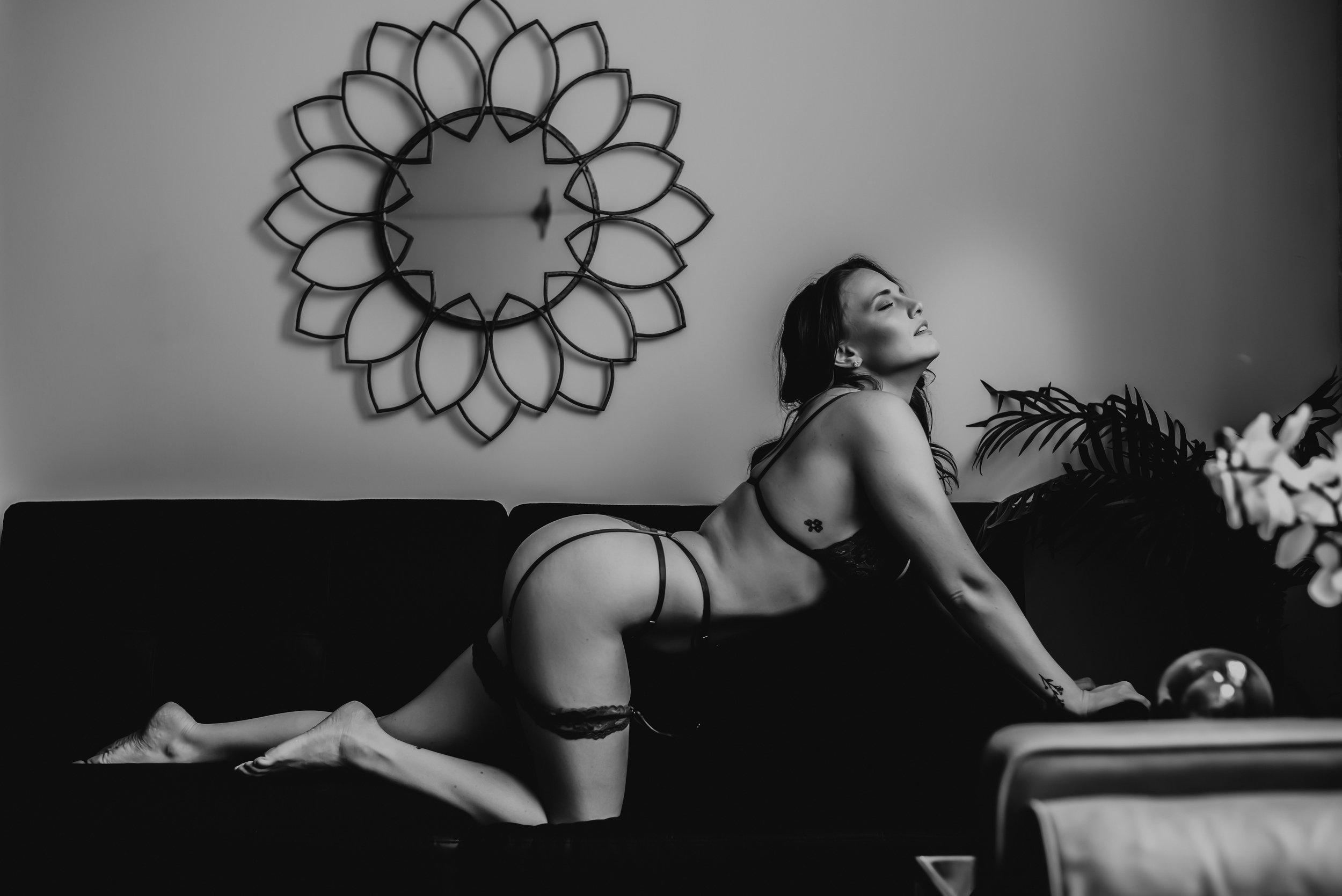 boudoir-photographer-near-me-5.jpg