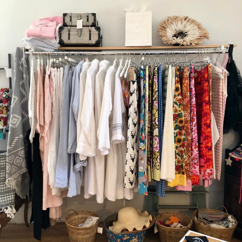 Velvet Maple_Clothing Rack.png
