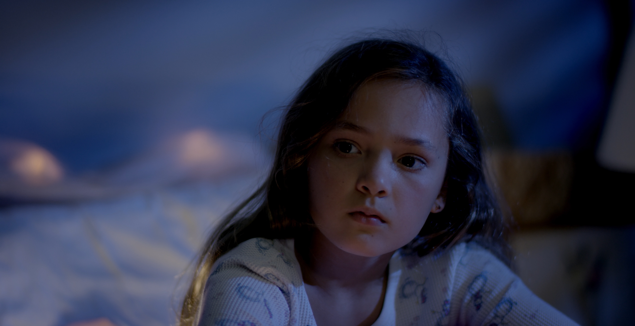 Casey Lopez  as the young girl, Sam.